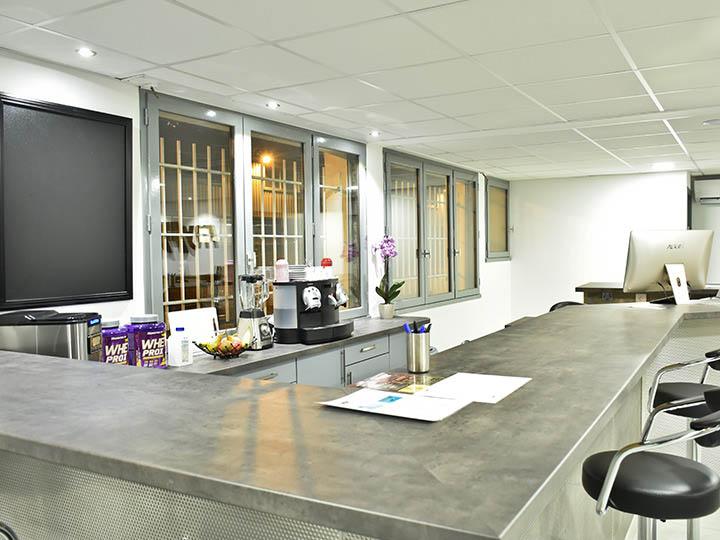 Espace restauration de la salle de fitness